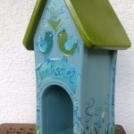 Futterhaus in Blautönen